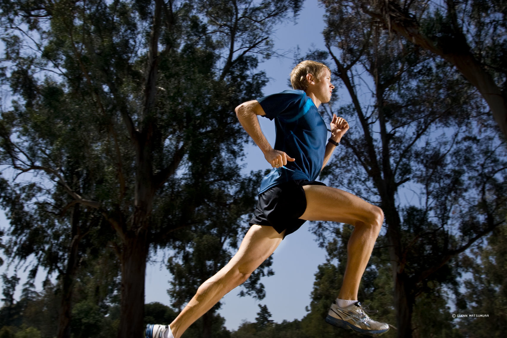 Stanford marathon runner, Ryan Hall at the eucalyptus grove on t
